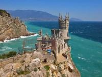Самый романтический замок Крыма – «Ласточкино гнездо»