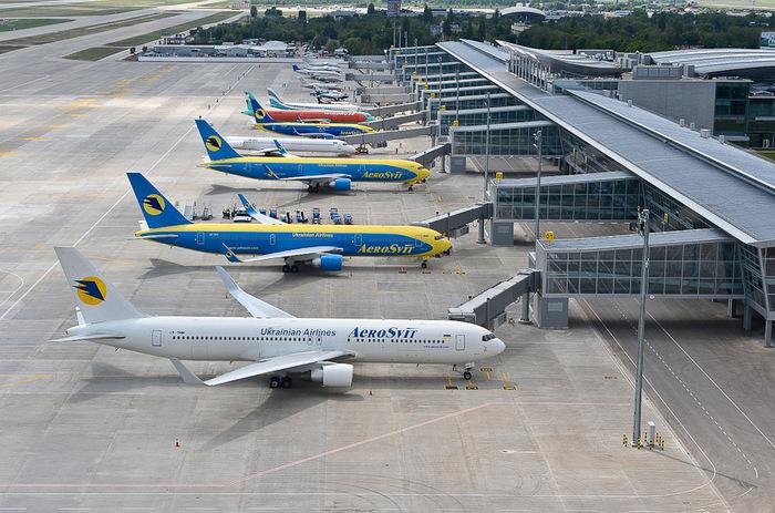 Поток пассажиров аэропорта «Борисполь» в 2014 году упал на 13%