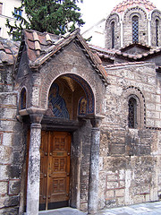 Дома и церкви Плаки